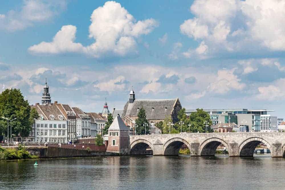 Noord-Limburg met kinderen wat te doen? Leukste activiteiten, kinderuitjes, bezienswaardigheden dagje weg, museum, dierentuinen, gratis uitjes en meer! - mamaliefde.nl