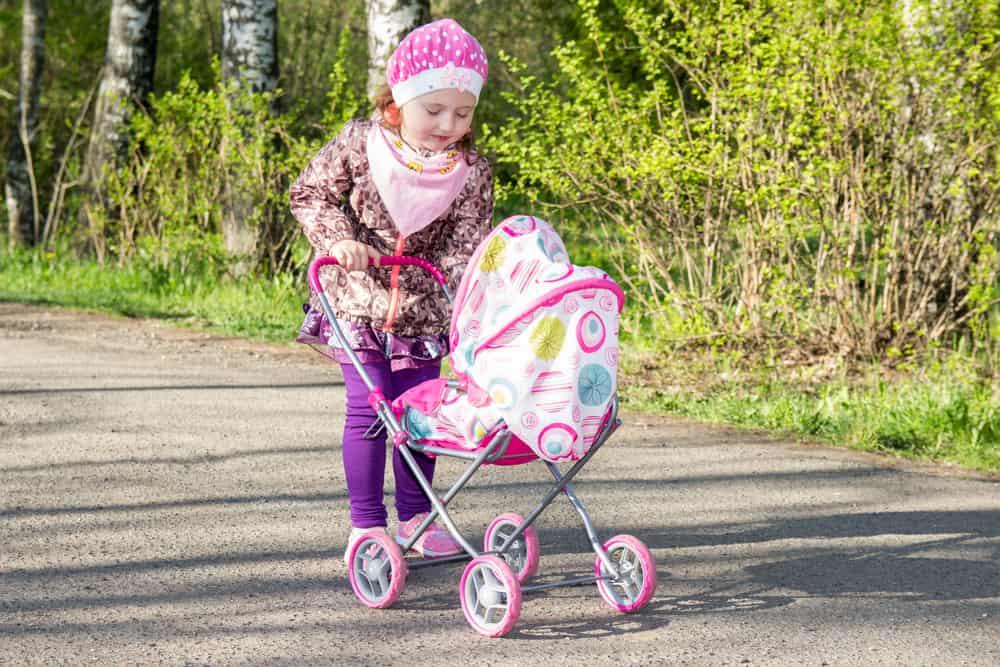 Interactieve pop kopen? Overzicht babypoppen van Baby Born tot Little Love, Annabell en Luvabella met verschillende functies en geluid, in roze, blauw voor jongens en paars multicultureel. Inclusief ervaringen - Mamaliefde.nl