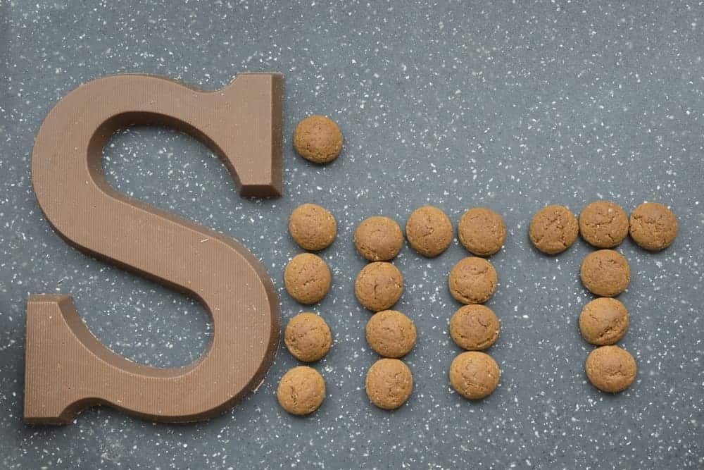 De leukste Sinterklaas spelletjes met pepernoten; van spelend leren tellen, tot het pyramide spel, creatieve en motorische spelletjes en in teamverband. - Mamaliefde.nl