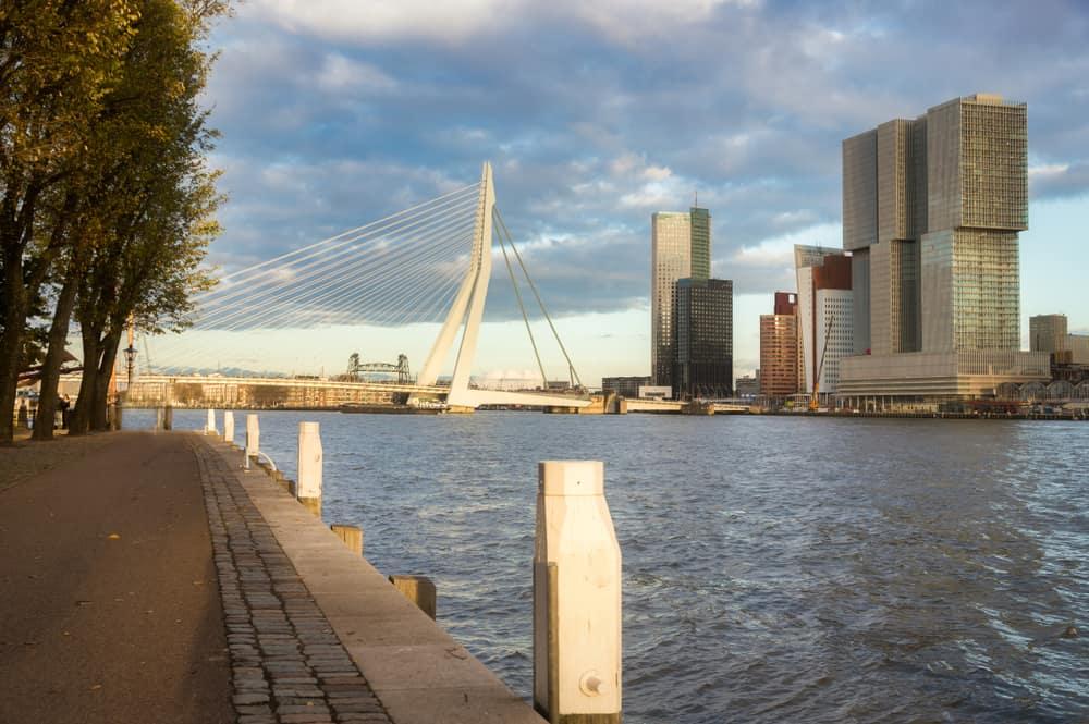 Rotterdam met kinderen: Wat te doen leukste kinderactiviteiten, uitjes, bezienswaardigheden, museum, dierentuin, gratis uitjes en meer! Overdekt en binnen bij regen. Ook met gezin. - Mamaliefde.nl