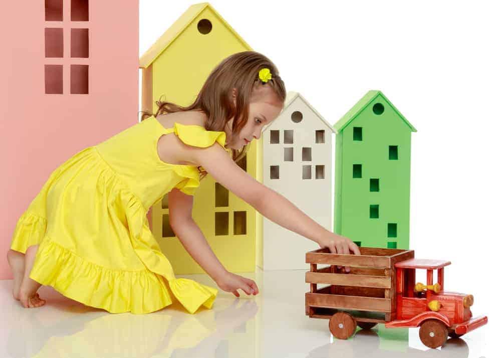 Poppenhuis; top 9 wit houten of Barbie huizen ook voor peuters en jongens. Met of zonder meubels en poppetjes. - Mamaliefde.nl