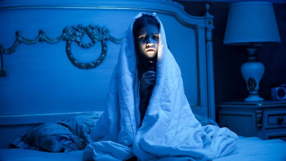 12 tips voor als je kind bang is in het donker en niet wil slapen - Mamaliefde.nl