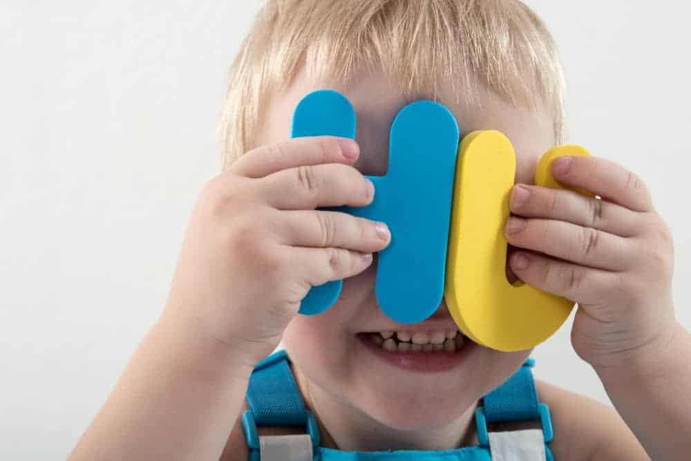 Klanken oefenen; 7 tips en spelletjes van een kleuterjuf om thuis uitspraak kleuters leren groep 1 en 2 - Mamaliefde.nl
