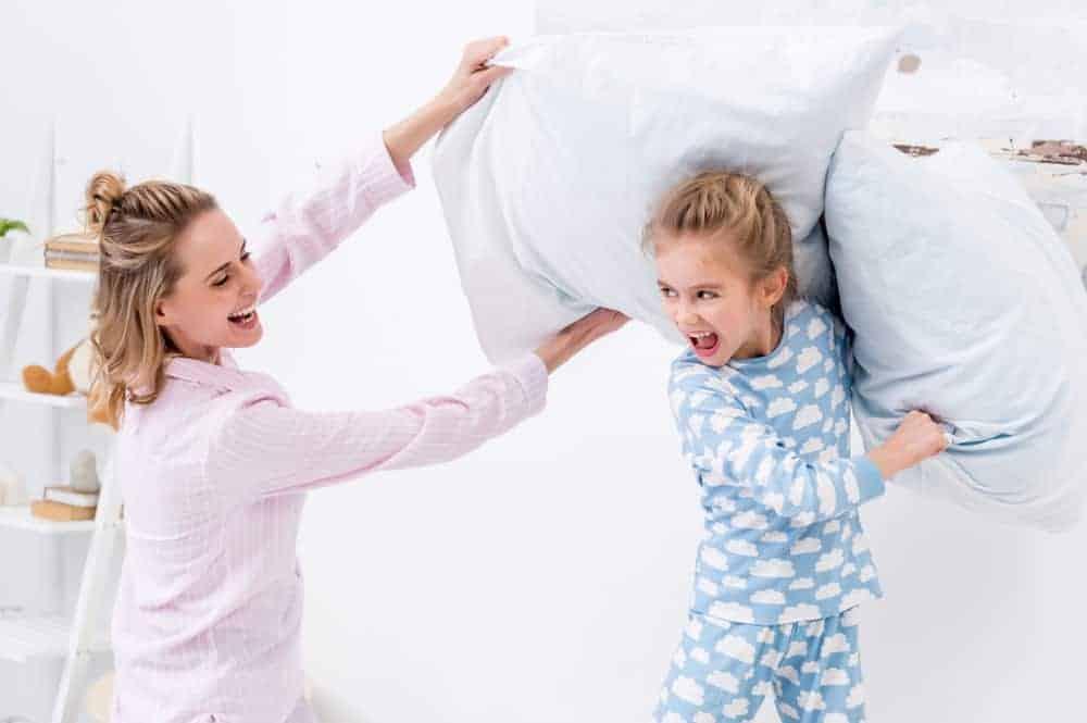 Pyjamadag; 10 tips en activiteiten om te doen tijdens nationale pyjamadag -Mamaliefde.nl