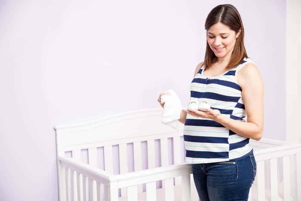 Nesteldrang tijdens zwangerschap ter voorbereiding op de bevalling baby - Mamaliefde.nl