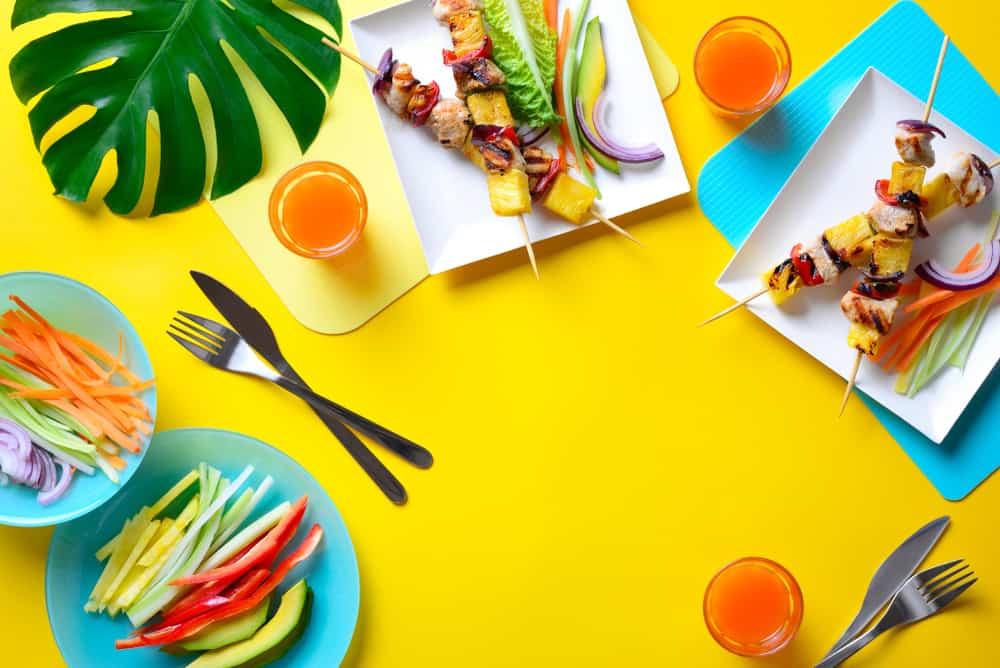 Zomerse gerechten; snel klaar recepten, lichte of koude avondmaaltijden geschikt voor warm weer. Met vlees, kip, pasta, vegetarisch, gezond en meer! - Mamaliefde.nl