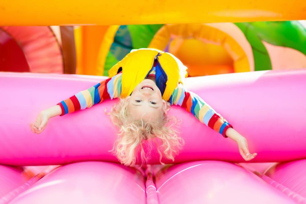 Spelletjes kinderfeestje; activiteiten & tips voor verjaardag thuis & binnen - Mamaliefde.nl