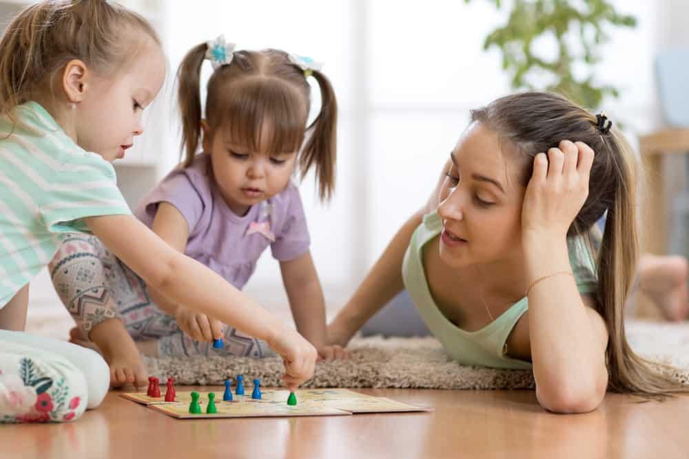 Gezelschapsspellen; leukste spelletjes, bordspelen en kaartspelen voor kinderen, peuters en kleuters vanaf 4, 5, 6, 7, 8, 9, 10, 12+ jaar - Mamaliefde.nl