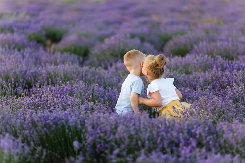 Waarom is buiten spelen belangrijk en gezond / goed voor ontwikkeling van kinderen? - Mamaliefde.nl