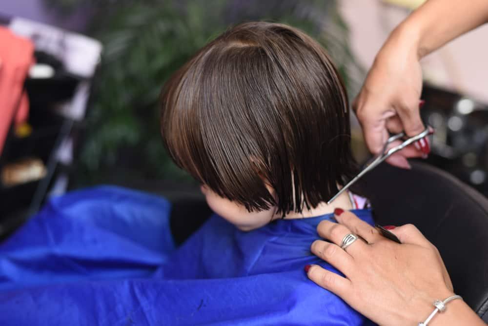 Kapper baby; eerste keer kind mee na de kapper, wat als het niet wil of durft - Mamaliefde.nl