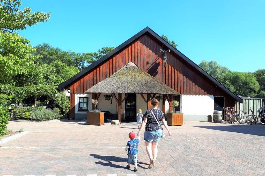 Kindvriendelijke restaurants met kinderen in Twente; van ijssalon tot pannenkoekenrestaurant - Mamaliefde.nl