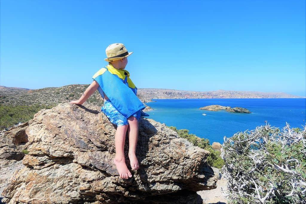 Oost-Kreta; Tips wat te doen van bezienswaardigheden en highlights tot mooiste stranden. Vakantie met kinderen in Sitia. Van watervallen, dorpen, boottocht tot en met kloven en autoroute. - Mamaliefde.nl