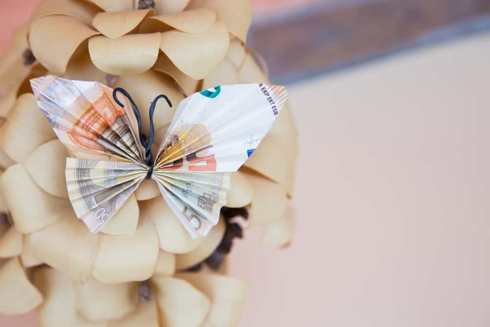 Geld vouwen; 20 voorbeelden zoals hartje, bloem, vlinder of voor in een fles. - Mamaliefde.nl