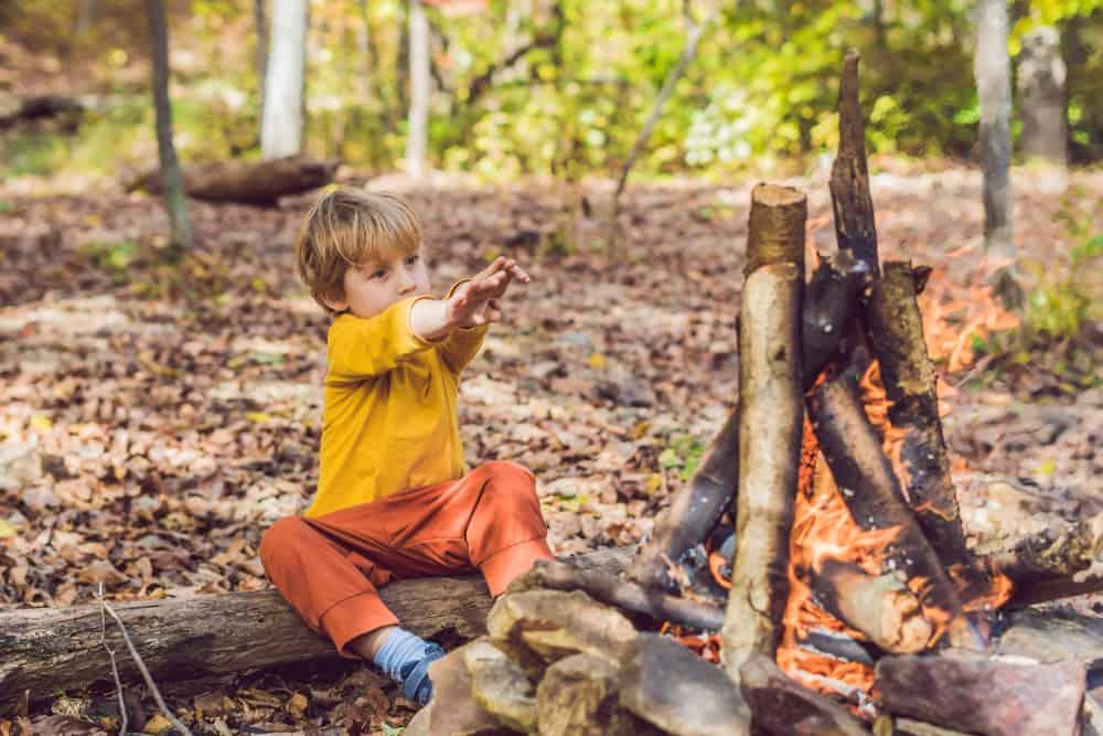Kampvuur met kinderen; Tips vuur maken, hapjes, snacks en spellen ook boven vuurkorf of bij open haard. - Mamaliefde.nl