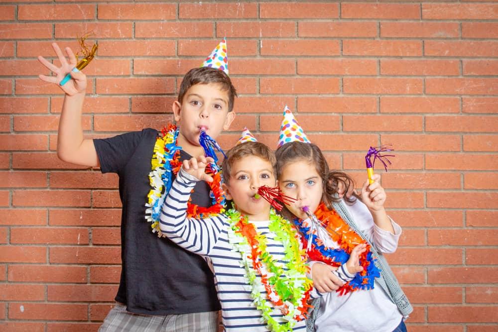 Uitdeelcadeautjes; kleine & originele cadeautjes om uit te delen op creche, kinderdagverblijf, baby, kinderfeestje ook duurzame en goedkope kleine cadeautjes met naam - Mamaliefde.nl