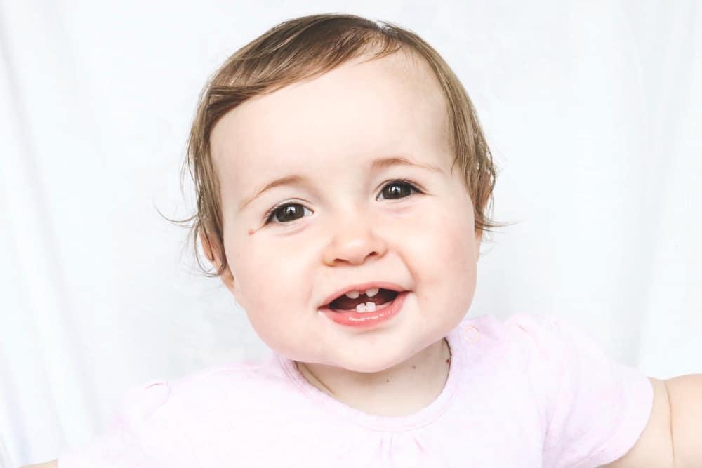 Melkgebit baby; wanneer & volgorde doorkomen eerste tandjes - Mamaliefde.nl