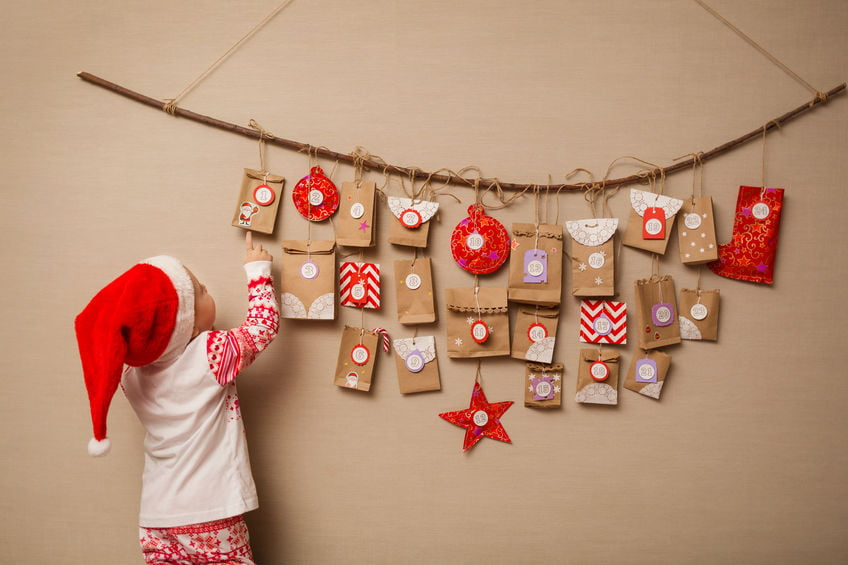 ventskalender 2019 voor kinderen; zonder snoep met speelgoed en cadeautjes voor je kind. Met onder andere lego, duplo,playmobil, play-doh, ses en disney frozen, pet shop, schleich, haba- Mamaliefde.nl