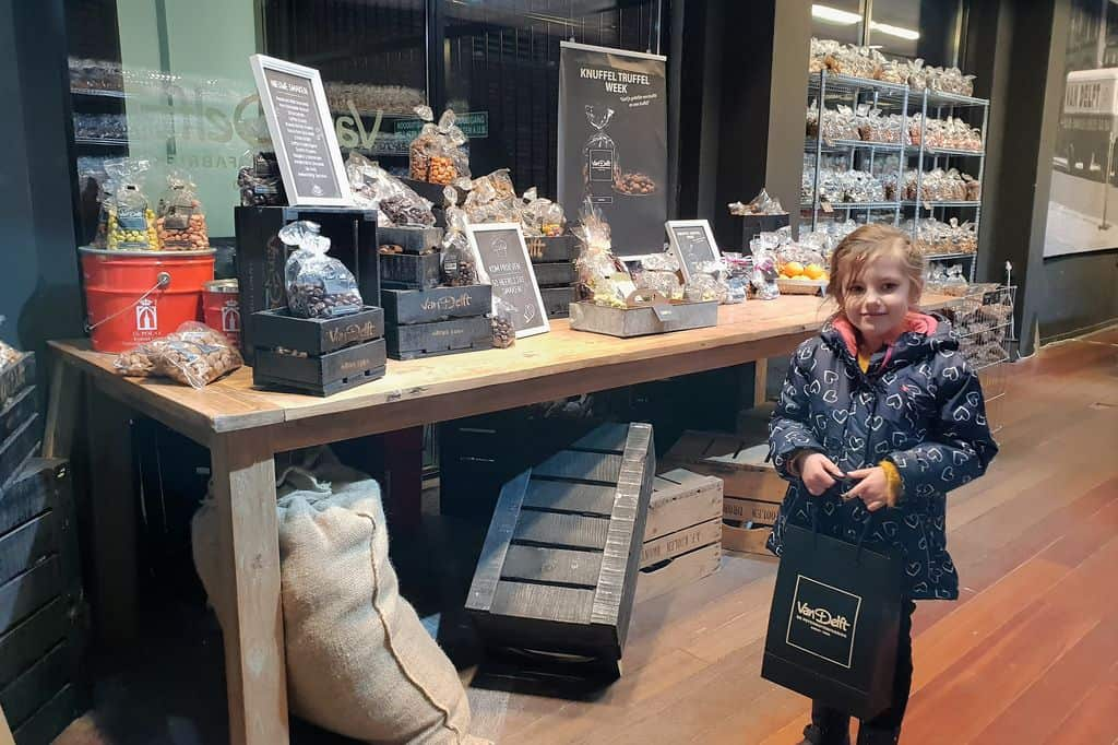 Van Delft Pepernotenfabriek; Nieuwe smaken 2019 & Kruidnoten test / vergelijking - Mamaliefde.nl