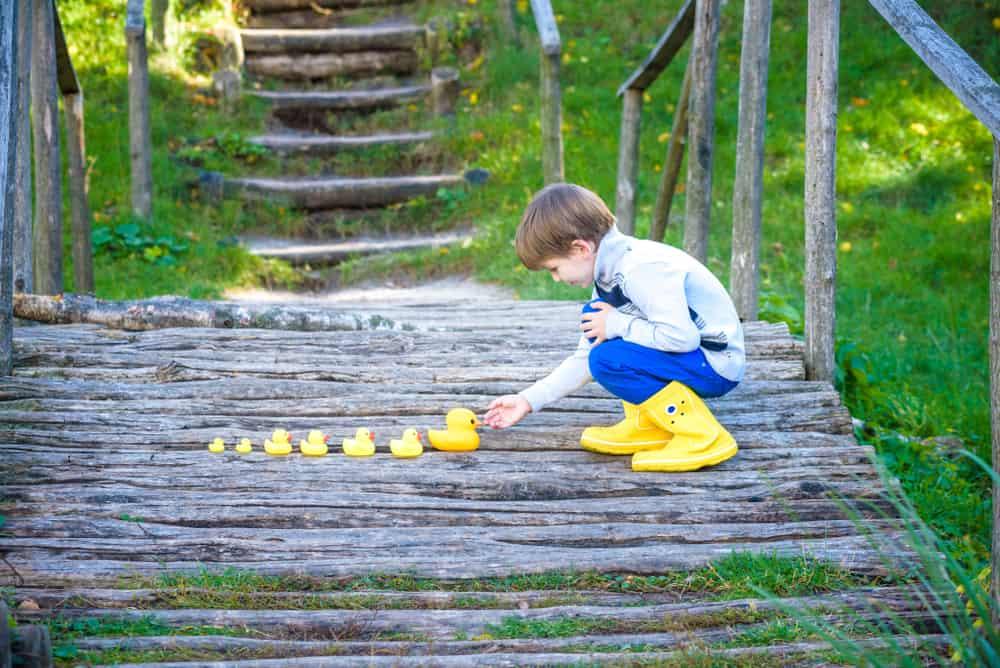 Kind kwijtraken; Tips om te voorkomen dat je kind niet kwijt raakt en wat te doen - Mamaliefde.nl
