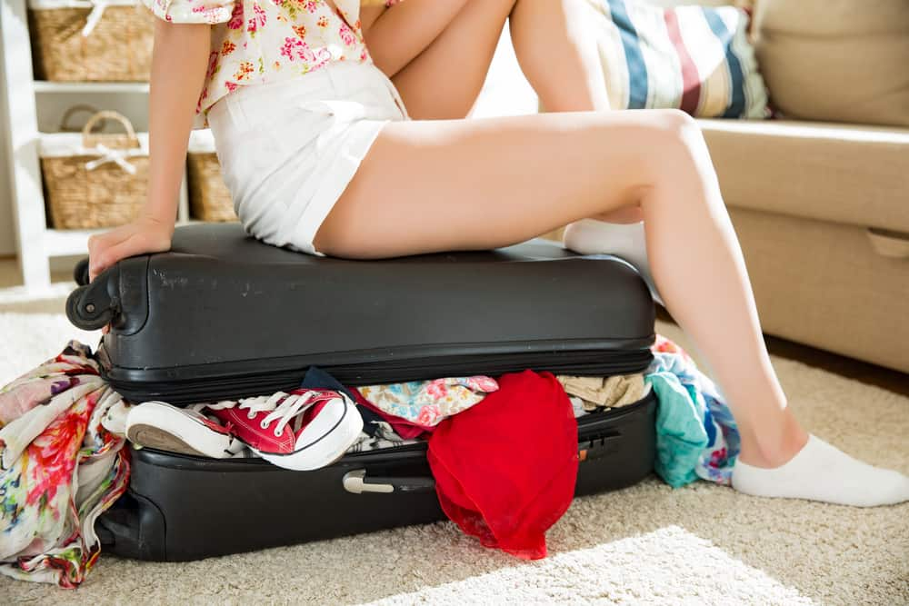 Koffer inpakken; handige hacks waardoor er meer in past en je kreukels kan voorkomen! - mamaliefde.nl