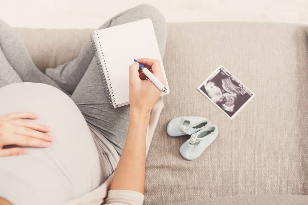 Zwangerschap vastleggen; 10 tips en ideeën om herinneringen te maken / knutselen aan de zwangere buik - Mamaliefde.nl