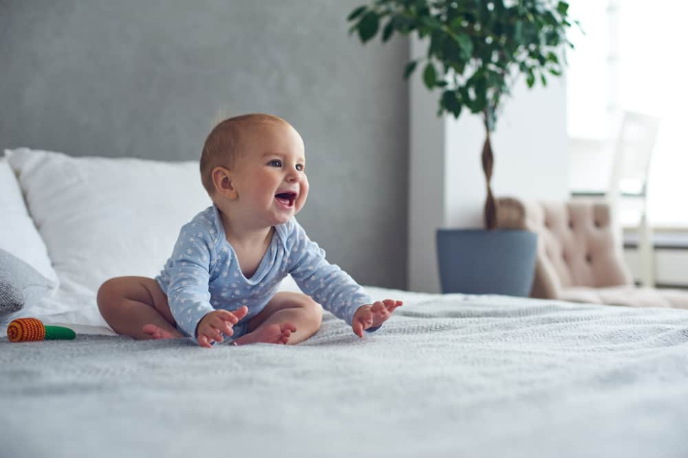 Baby 8 maanden; ontwikkeling wat kan een baby? - Mamaliefde.nl