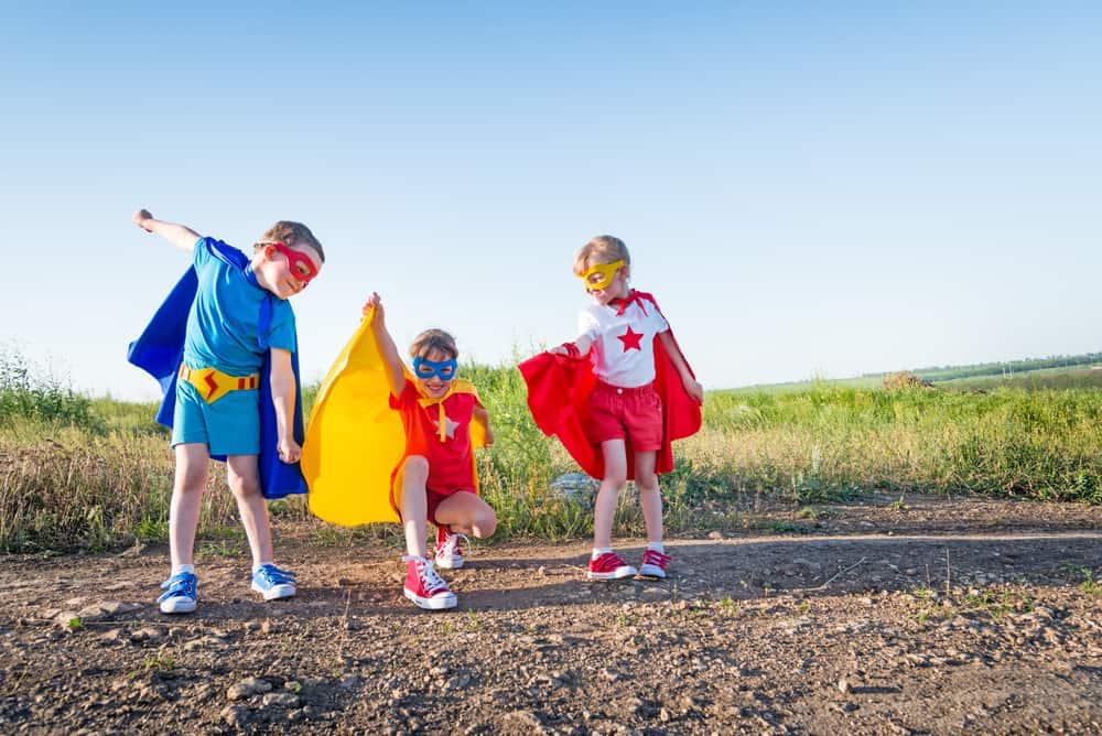 Waarom zijn meisjes stoer als ze verkleden als astronaut en jongens raar als prinses? - Mamaliefde.nl