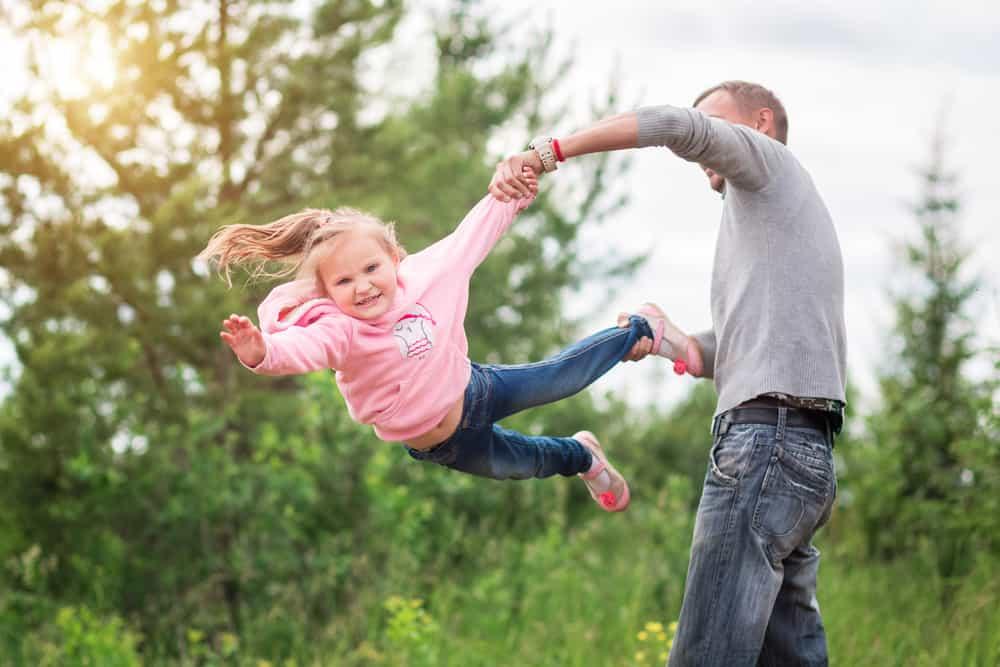 Rol vader in de opvoeding; Wat leer je van je vader en waarom is een vader figuur belangrijk? En wat zijn de gevolgen van afwezige vader. - Mamaliefde.nl