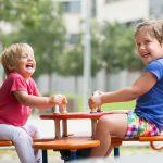 De leukste buitenspeeltuinen van Nederland; overzicht per provincie. Met grote of gratis speeltuinen met water of dieren - Mamaliefde.nl