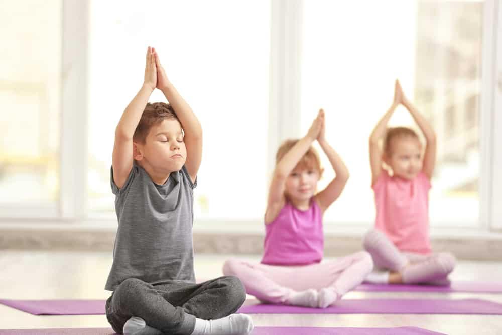 Kinder yoga of Wobbel Yoga voor kinderen - Mamaliefd.enl