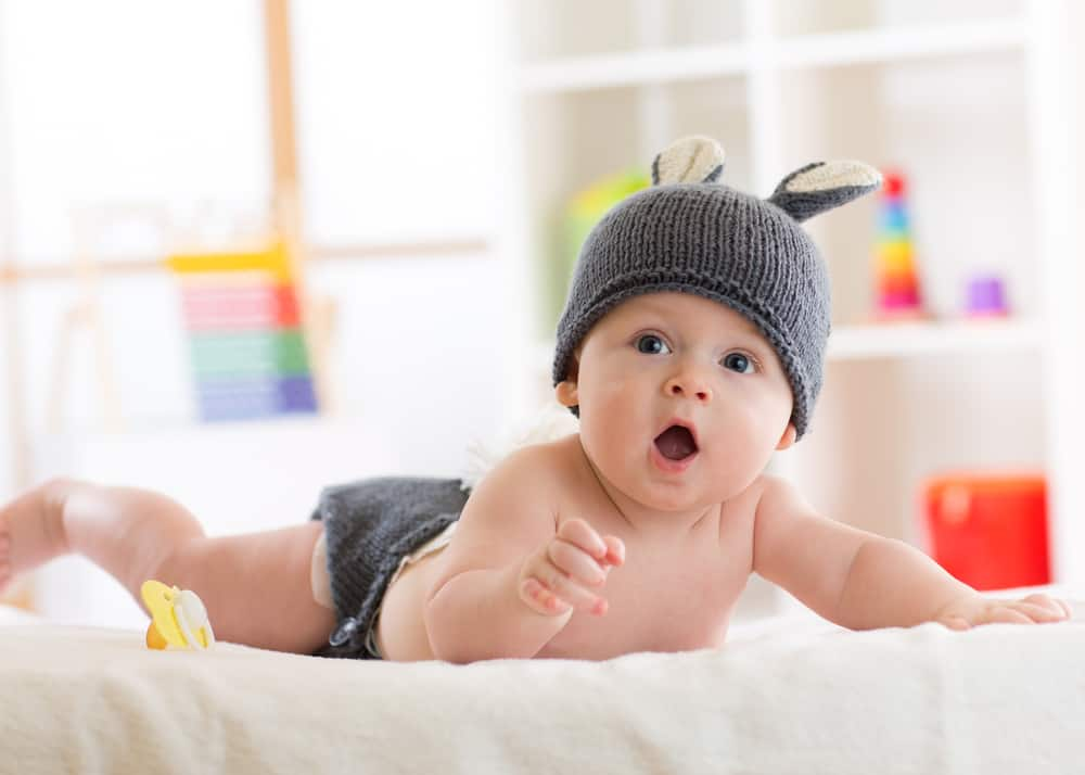 Baby 5 maanden; ontwikkeling wat kan een baby en tips speelgoed en activiteiten om bezig te houden - Mamaliefde.nl