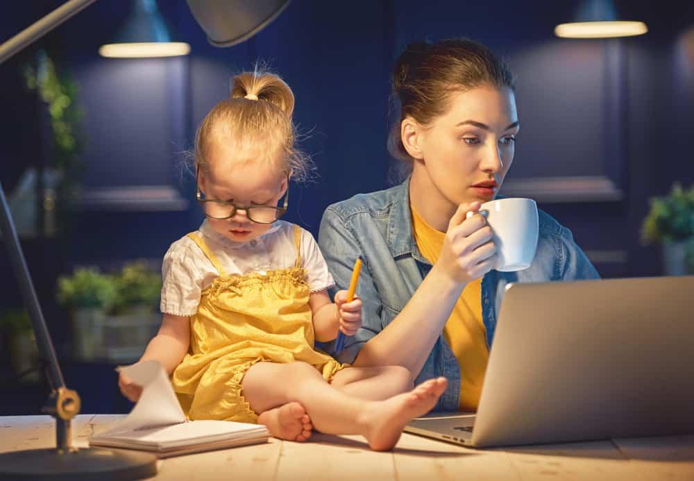 (Fulltime) Werken met kinderen combineren: 8 handige tips en huishoudschema voor werkende moeders - Mamaliefde.nl