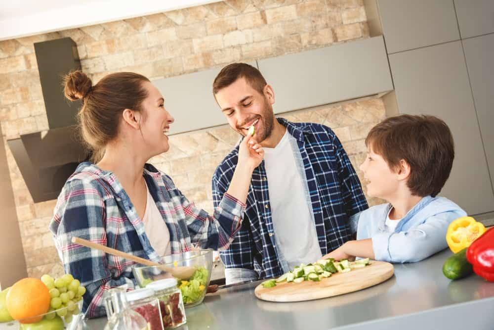 Overzicht maaltijdboxen; van eenmalig tot vegetarisch of biologisch lokaal thuisbezorgd - Mamaliefde.nl