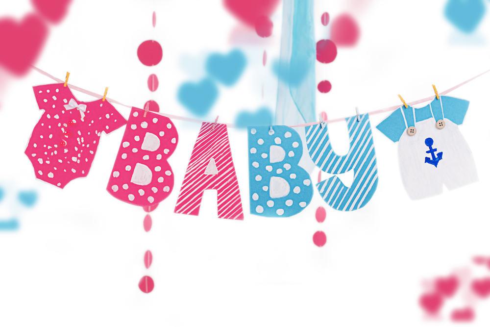 Inspiratie geboorteversiering jongen en meisje om huis mee aan te kleden van raamdecoratie, deur, tuin en slingers / stickers. - Mamaliefde.nl