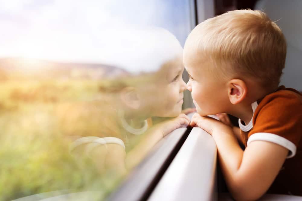 Goedkope treinkaartjes; acties 2019 om goedkoop te reizen met de trein ook met kinderen. Van enkele reis tot retour en diverse acties van hema en kruidvat.