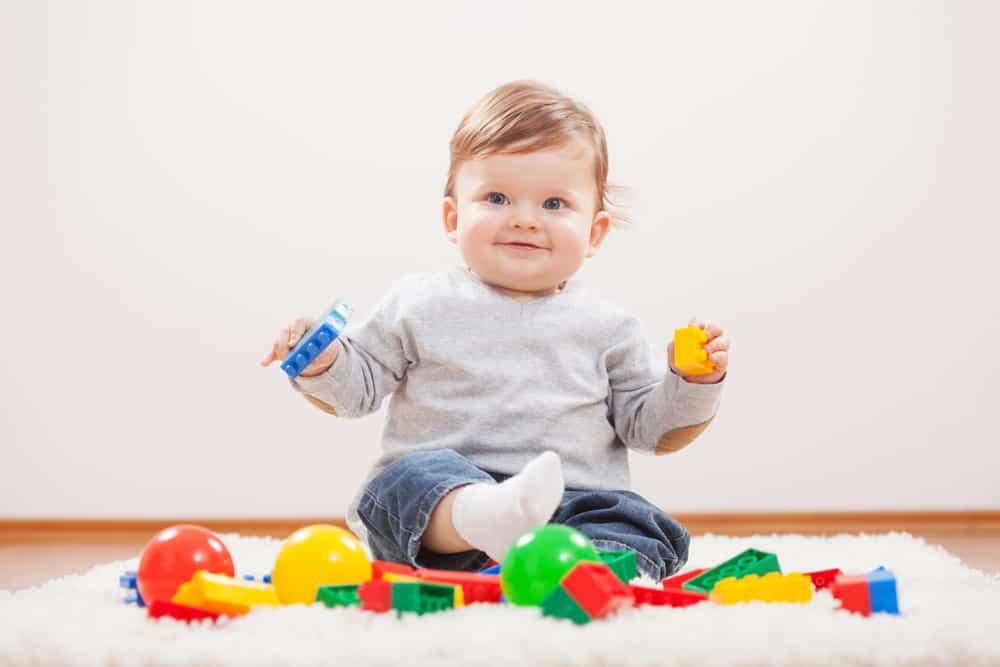 Baby 10 maanden; ontwikkeling wat kan je kind? - Mamaliefde.nl