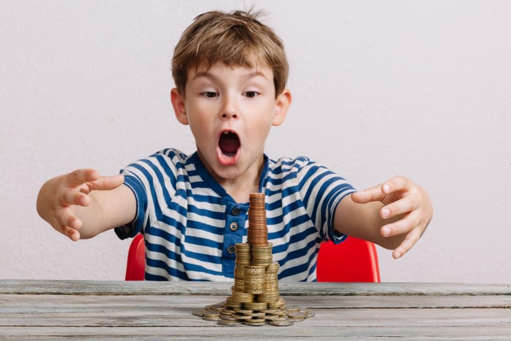 Overzicht wat kost een kind aan levensonderhoud per maand of dag aan eten, of bijvoorbeeld kleding - Mamaliefde.nl