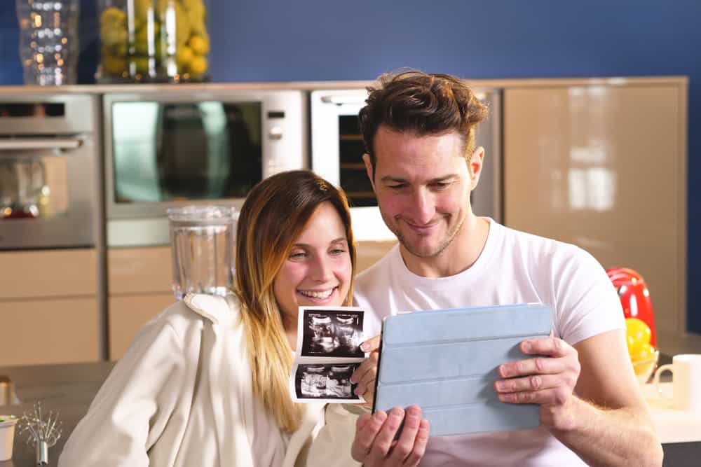 Wanneer / bij hoeveel weken vertellen en bekend maken dat je zwanger bent? - Mamaliefde.nl
