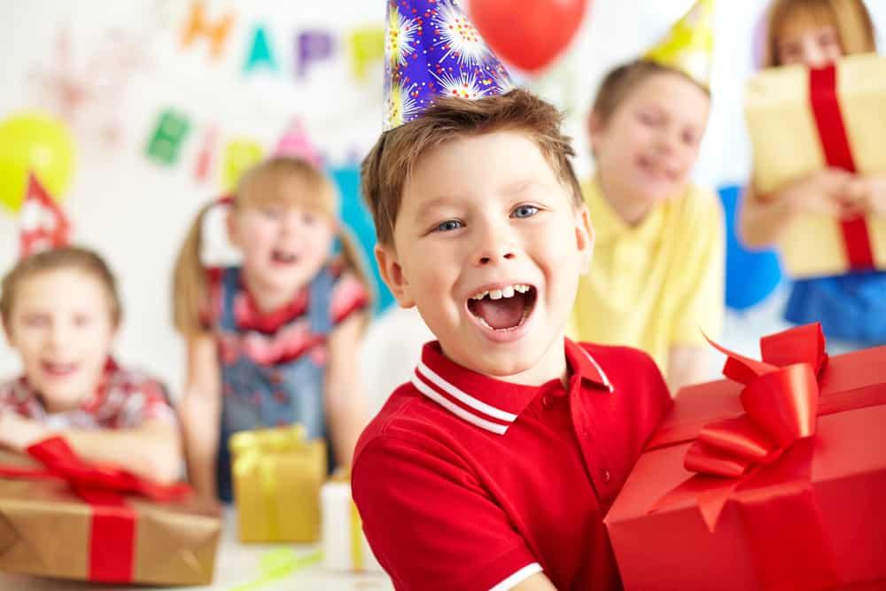Kinderfeestje cadeautjes; wat te geven? Van kleine tot grote cadeautjes en andere ideeën - Mamaliefde.nl