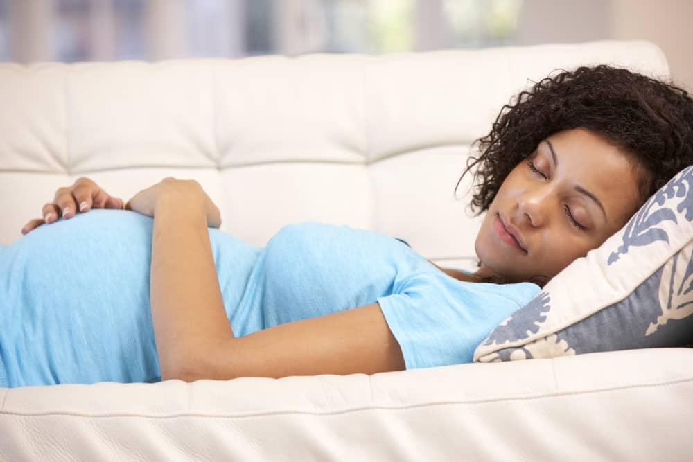 Vermoeidheid tijdens de zwangerschap; extreem moe tijdens eerste weken of tweede trimester wat doe je er aan? - Mamaliefde.nl