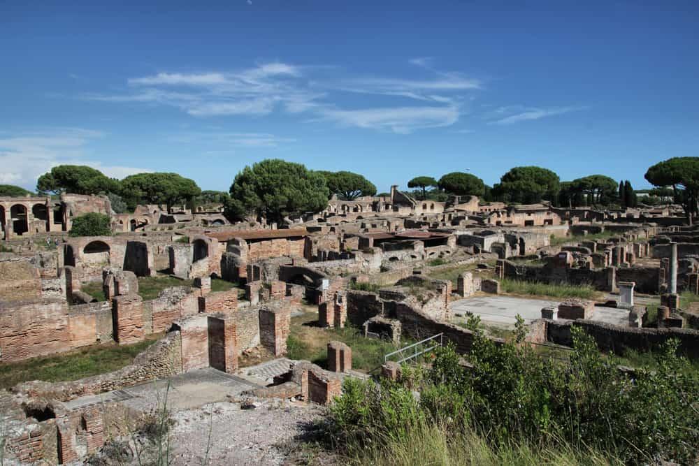 Ostia Antica; Romeinse haven en theater en strand Ostia Lido - Mmamaliefde.nl