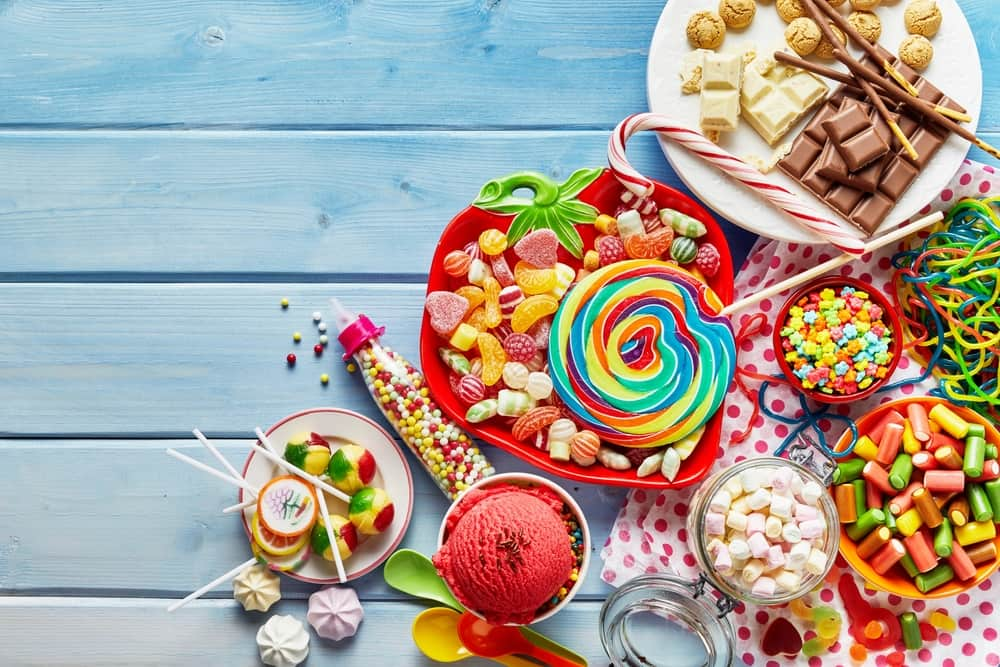 Traktatie school; 50+ ideeën voor gezonde, leuke en makkelijke kindertraktaties voor verjaardagVoor 4, 5, 6, 7, 8, 9, 10, 11 en 12 jaar. Voor groep 1, 2, 3, 4, 5, 6, 7 en 8. Van zelf maken tot tips kant en klare traktaties kopen. Van fruit en popcorn tot eierkoek, eenhoorn, beker vullen of cupcake. - Mamaliefde.nl