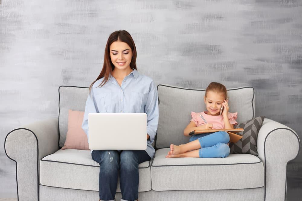 Vanuit huis werken? De voordelen van thuis werken voor moeders - mamaliefde.nl