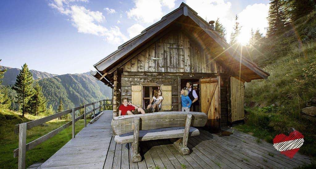 Boerderij vakantie Oostenrijk met kinderen; overnachting in een alm - mamaliefde.nl