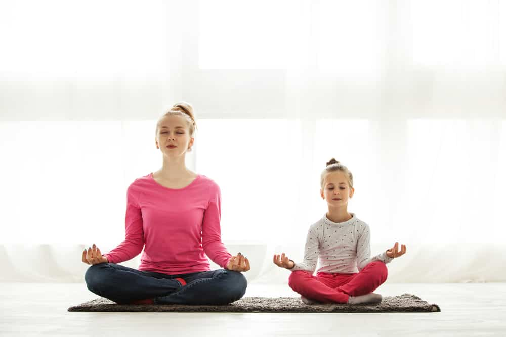 Mindful ouderschap; Ontspannen opvoeden in een druk bestaan met lol en plezier - Mamaliefde.nl