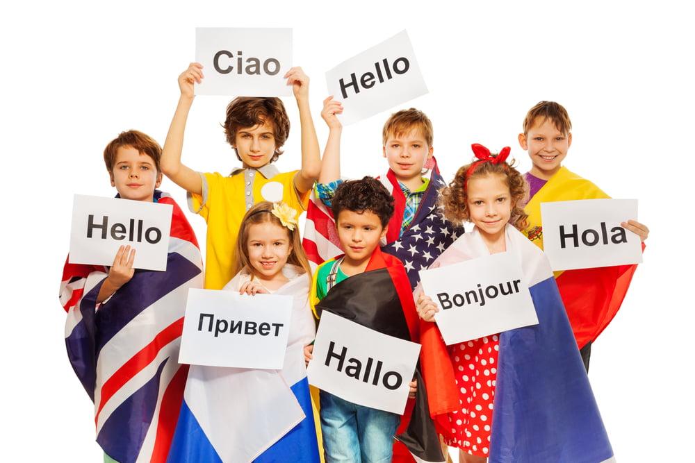 Je kind tweetalig opvoeden / tweede taal leren. Van voordelen tot tips, of welke leeftijd. - Mamaliefde.nl
