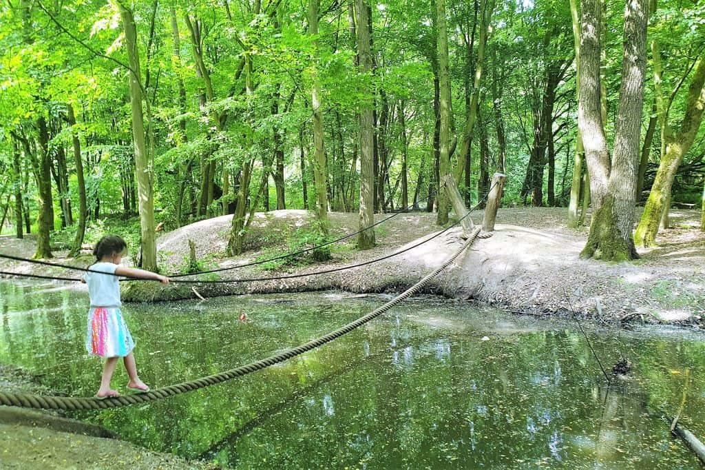 Belevenissenbos Lelystad; Ervaringen bij strand en klimmen en klauteren in het bos - Mamaliefde.nl