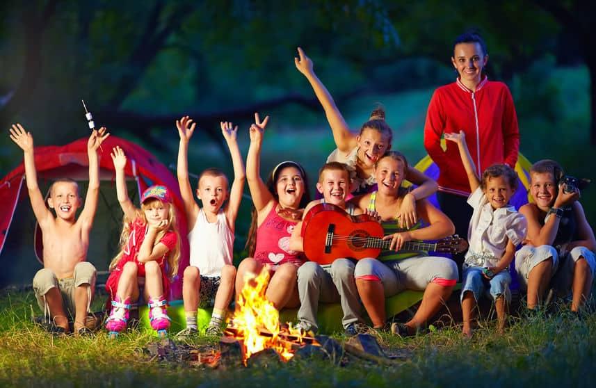 De leukste zomerkampen voor kinderen; op het water, sport, voetbal, thema, voor jonge kinderen of 16+ - Mamaliefde.nl