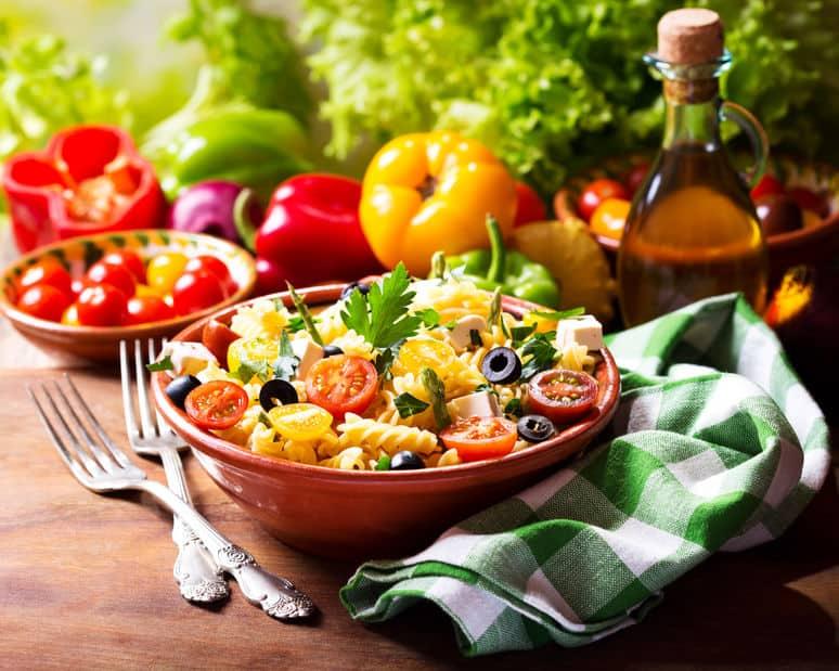 Zomerse gerechten; recepten voor lekkere makkelijke pastasalades - Mamaliefde.nl