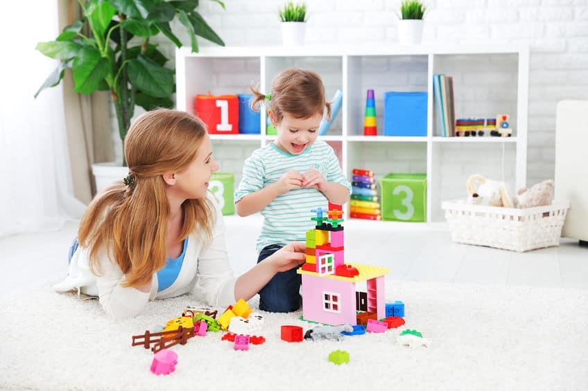 Baby speelgoed; leukste en beste ook houten speelgoed top 10. van goedkoop tot kwalitatief speelgoed. Voor baby's van 1, 2, 3, 4, 56, 7, 8, 9, 10, 11 en 12 maanden. - Mamaliefde.nl